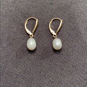 Faux freshwater pearl and gold earrings